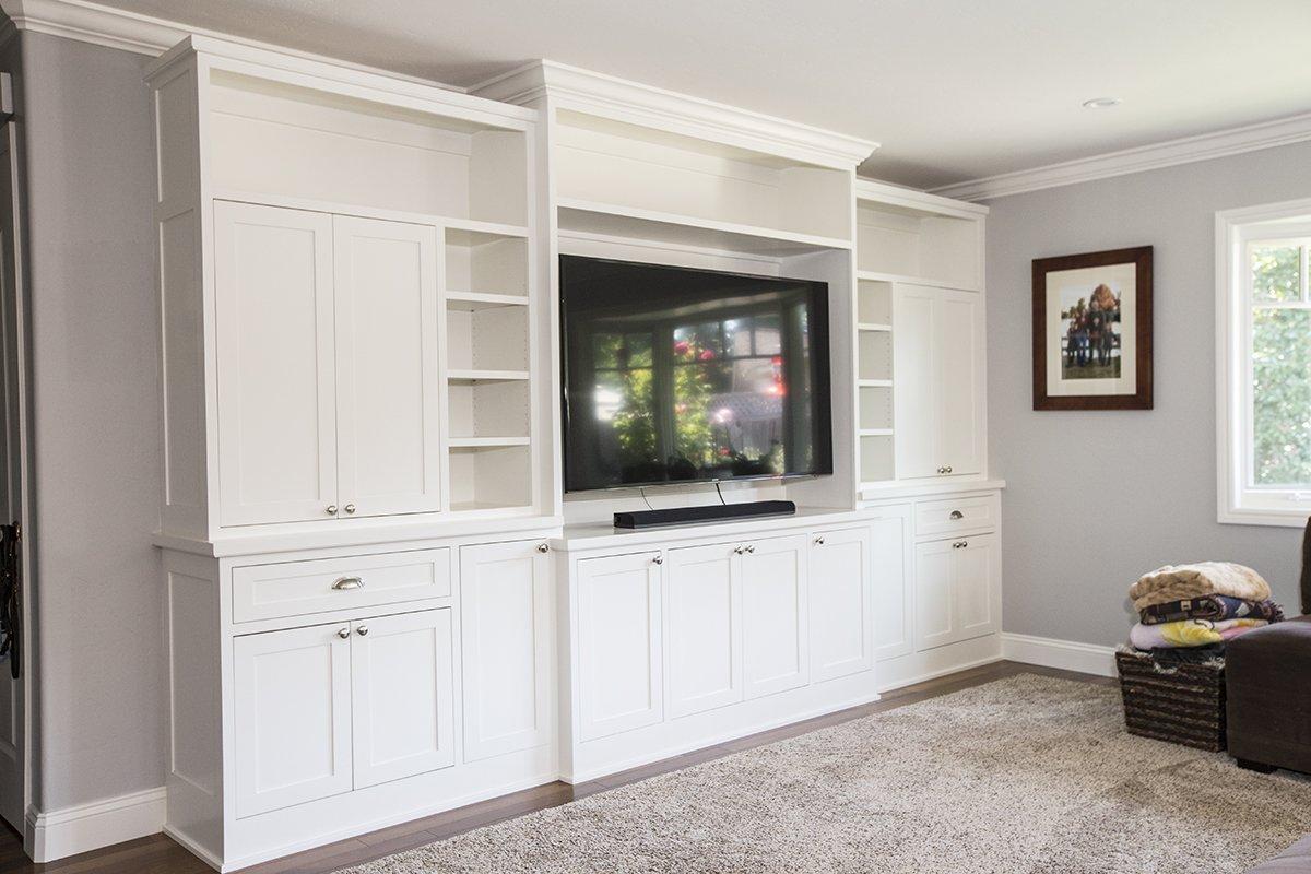 Remmington - remodelled media built-ins to match kitchen